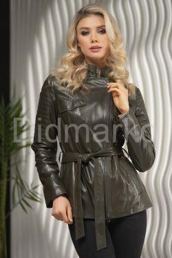 Женская куртка из натуральной кожи оливкового цвета весна 2021
