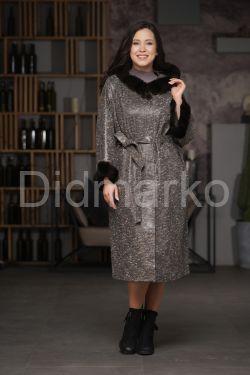 Длинное пальто из замши с капюшоном  с мехом рекс
