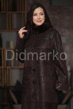 Длинное пальто из замши с мехом
