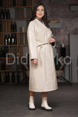 Кожаный плащ - халат цвета слоновой кости