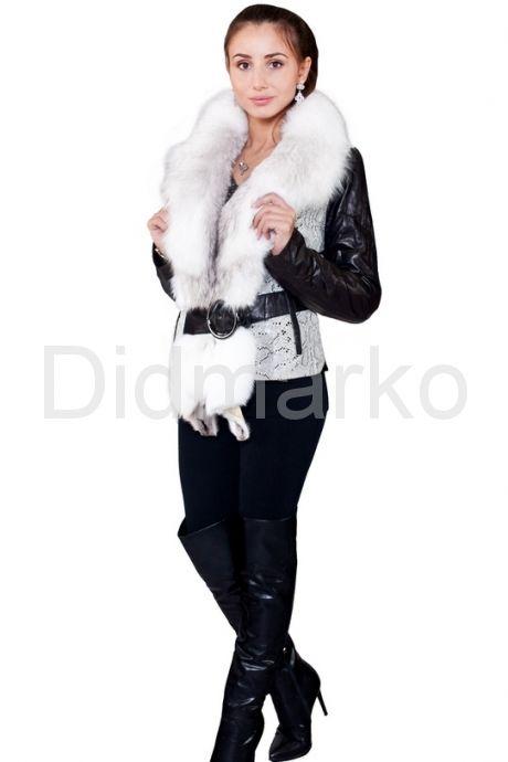 Комбинированная курточка с белым воротником. Фото 1.