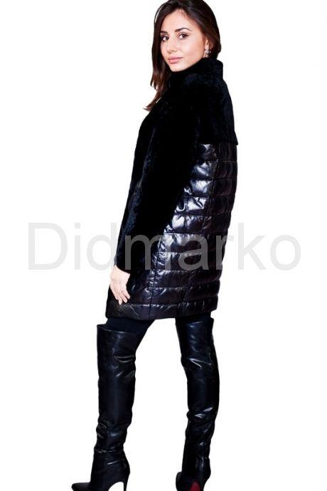 Кожаный пуховик, комбинированный с мехом астраган черного чвета. Фото 3.