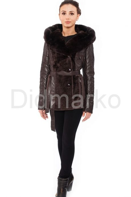 Теплая куртка шоколадного цвета. Фото 1.