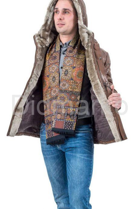 Мужской кожаный пуховик коричневого цвета