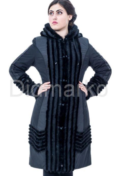 Зимнее пальто с отделкой из вязанной норки. Фото 1.