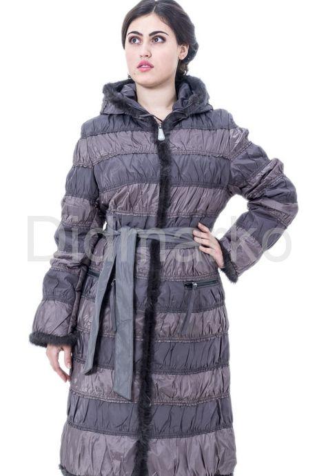 Комбинированное пальто светлого цвета. Фото 1.