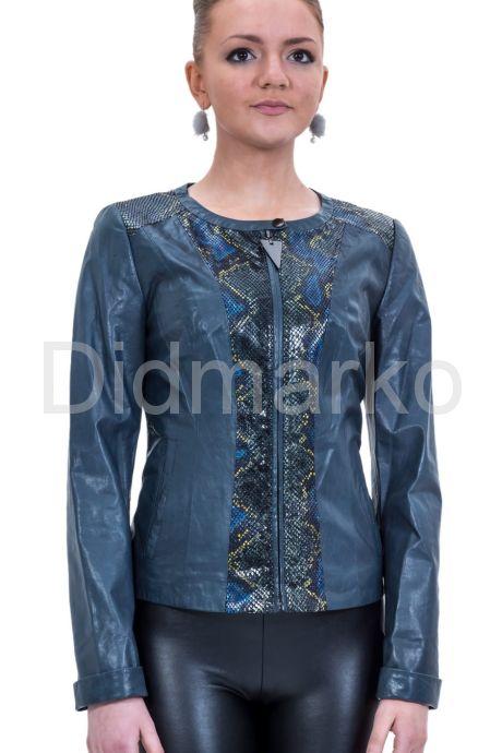 Весенняя кожаная куртка синего цвета. Фото 1.