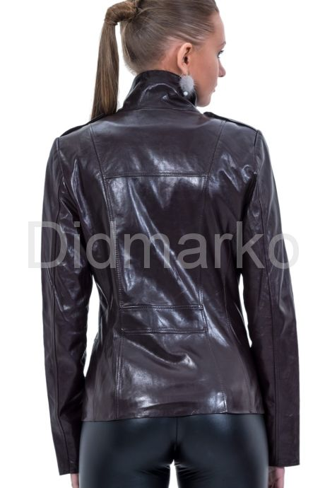Приталенная кожаная куртка. Фото 2.