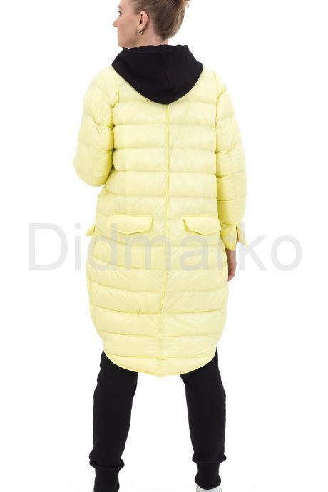 Молодежный облегченный пуховик ярко-желтого цвета. Фото 3.