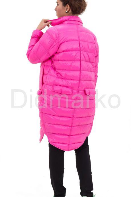 Современный облегченный пуховик розового цвета. Фото 4.