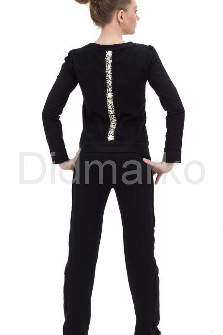 Молодежный костюм черного цвета со стразами
