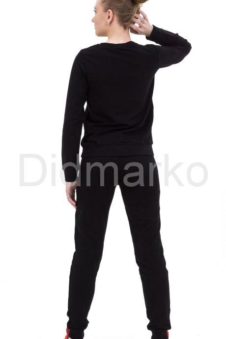 Гламурный спортивный костюм со стразами. Фото 2.