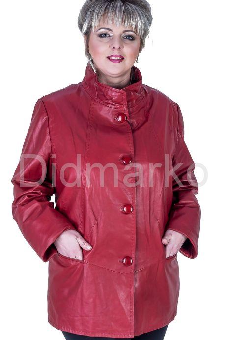 Кожаная куртка больших размеров на пуговицах. Фото 1.