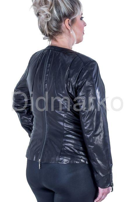 Короткая куртка на молнии. Фото 2.