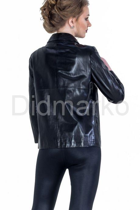 Модная женская куртка. Фото 2.