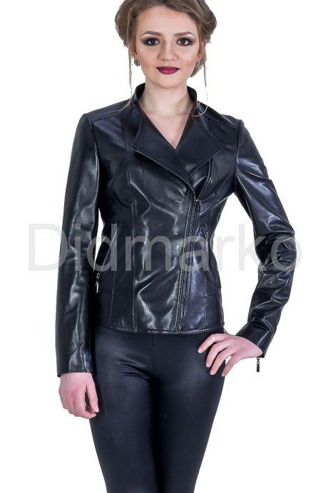Женская кожаная куртка черного цвета. Фото 1.