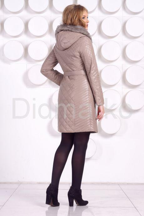 Стеганое кожаное пальто с отделкой вязаной норкой. Фото 5.