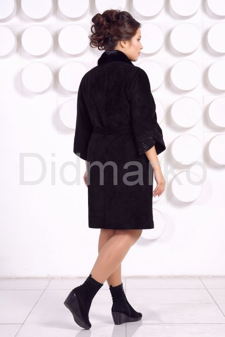 Красивое замшевое пальто. Фото 4.
