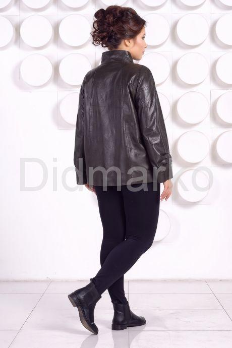 Комфортная кожаная куртка больших размеров