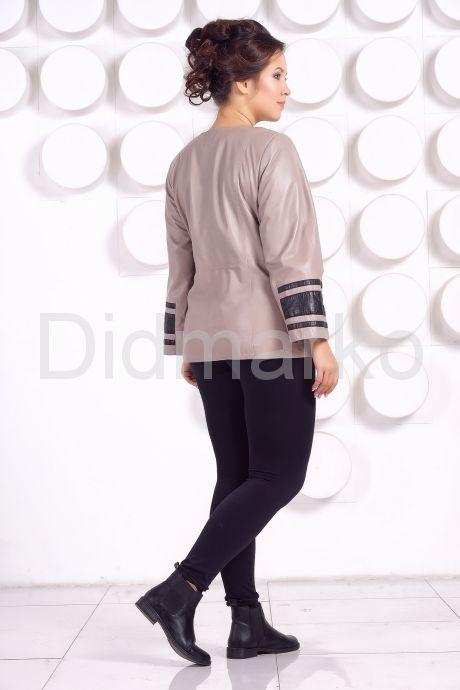 Кожаная куртка больших размеров жемчужного цвета. Фото 4.