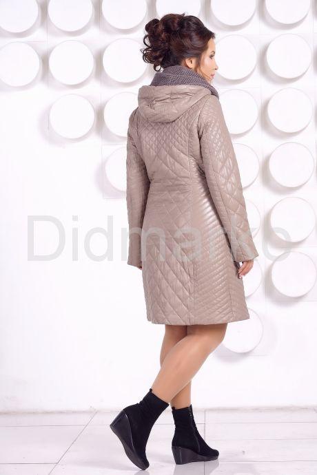 Практичное стеганое пальто на каждый день
