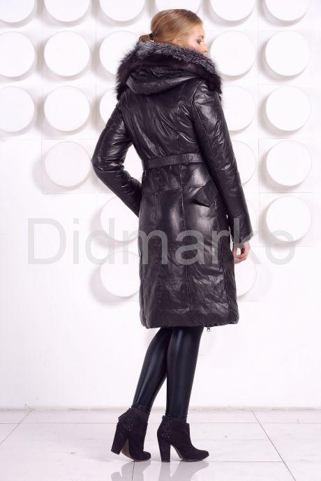 Длинный кожаный пуховик черного цвета. Фото 5.