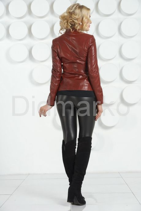 Кожаная куртка бордового цвета. Фото 4.