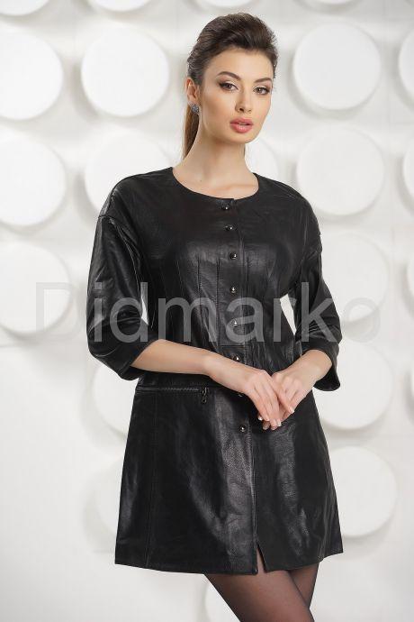 Укороченный плащ черного цвета. Фото 2.