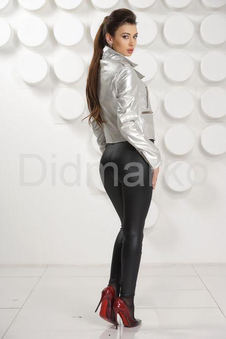 Серебристая кожаная куртка косуха. Фото 4.