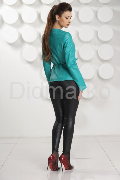 Кожаная куртка цвета бирюзы