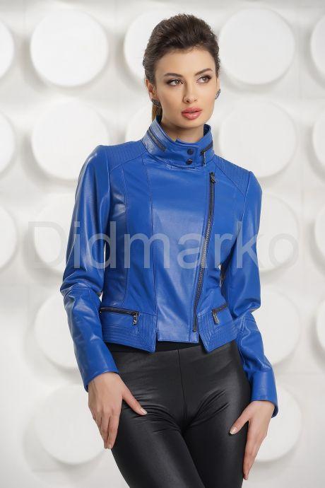 Короткая кожаная куртка косуха синего цвета. Фото 2.