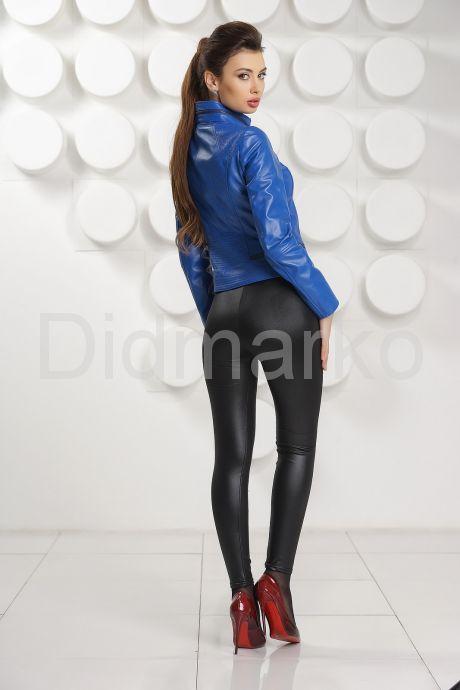 Короткая кожаная куртка синего цвета. Фото 4.
