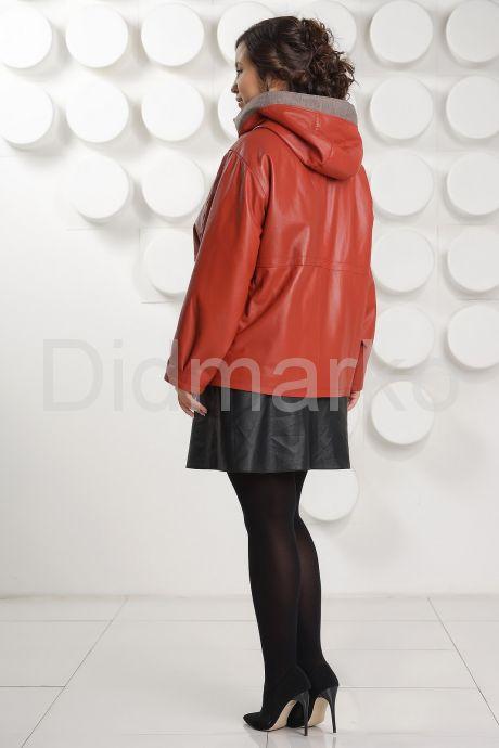Кожаная куртка с капюшоном большого размера кораллового цвета. Фото 6.