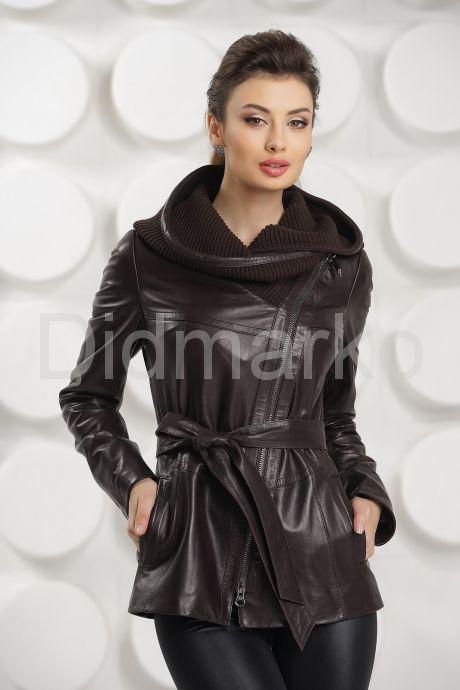 Удлиненная кожаная куртка косуха с трикотажным капюшоном. Фото 2.