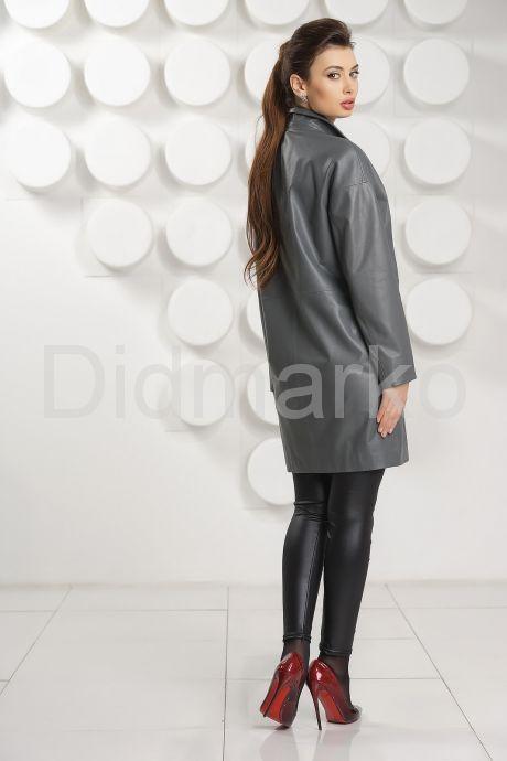 Кожаный плащ серого цвета. Фото 3.