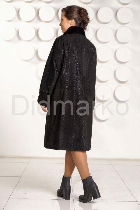 Пальто из замши с рисунком. Фото 4.