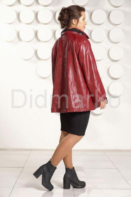 Бордовая кожаная куртка больших размеров. Фото 4.