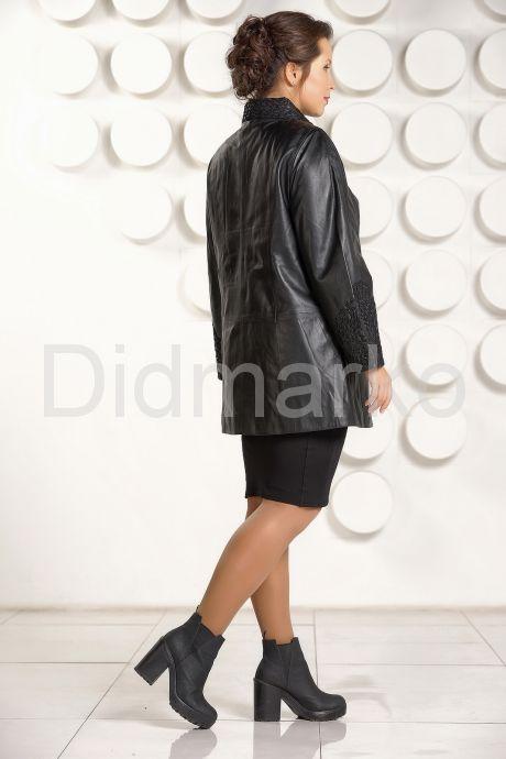 Классическая трапециевидная кожаная куртка с вышивкой. Фото 4.