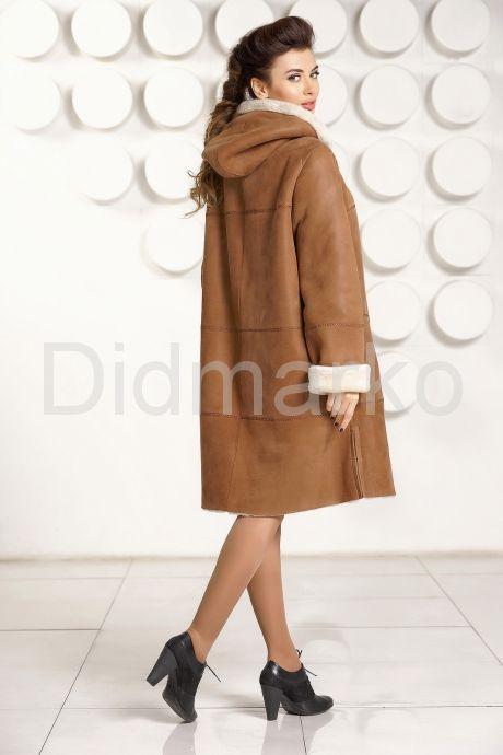 Классическая женская дубленка с капюшоном. Фото 4.