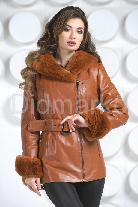 Удлиненная куртка рыжего цвета. Фото 3.