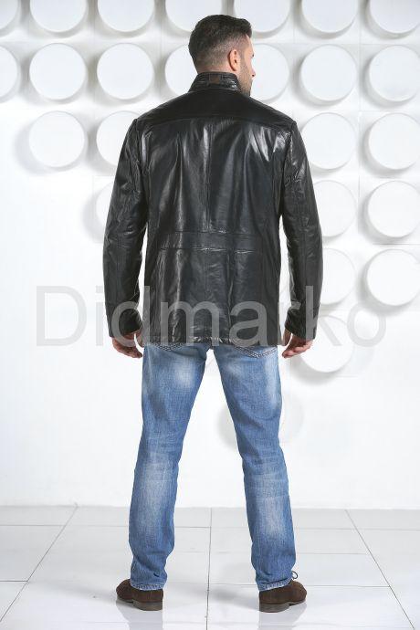 Демисезонная кожаная куртка. Фото 4.