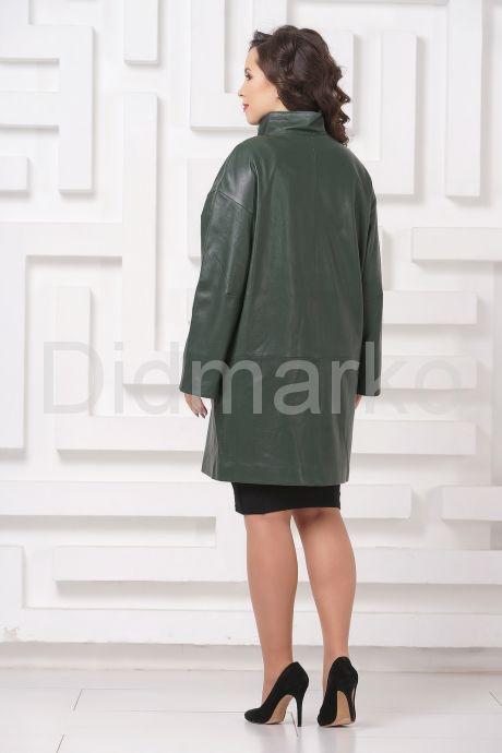 Женский кожаный плащ зеленого цвета. Фото 5.