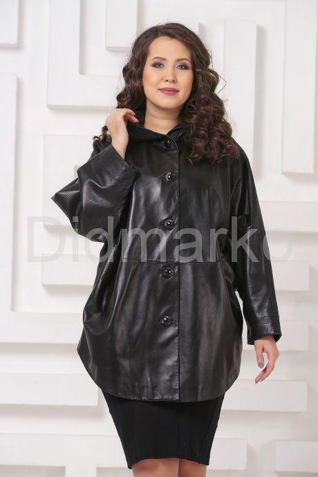 Кожаная куртка больших размеров черного цвета с капюшоном. Фото 3.