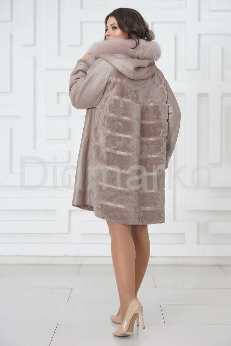 Жемчужное трапециевидное пальто из овчины. Фото 5.