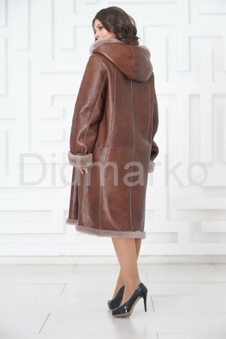 Длинная женская дубленка на пуговицах. Фото 6.