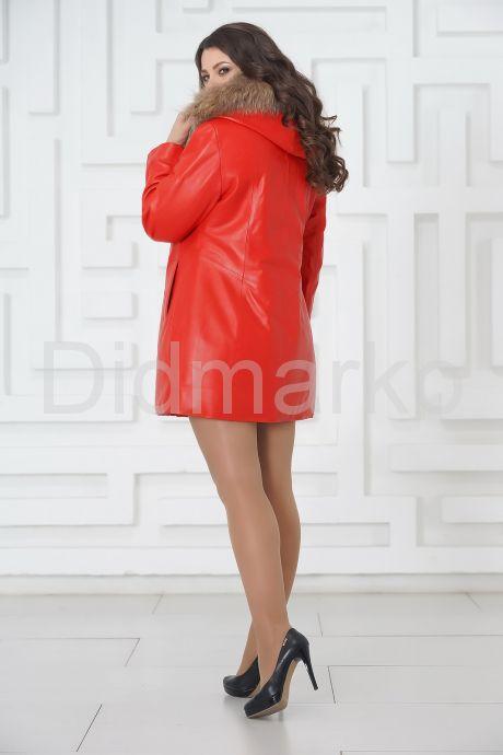 Красная кожаная демисезонная куртка больших размеров. Фото 6.