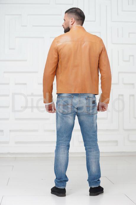 Стильная кожаная куртка на молнии. Фото 3.