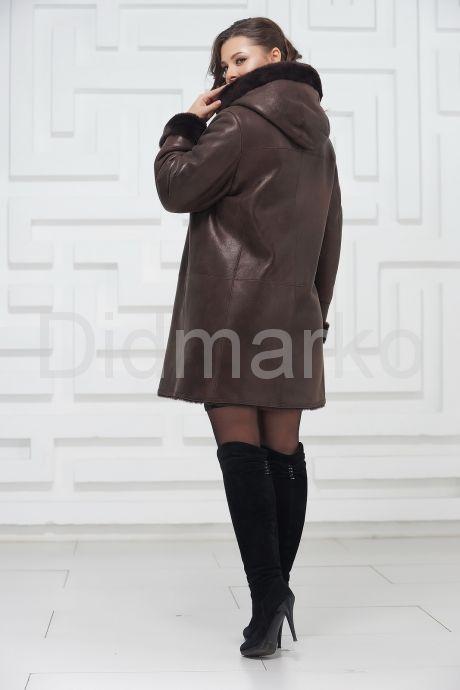 Классическая дубленка в коричневом цвете. Фото 3.