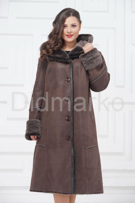 Женское пальто из овчины с капюшоном. Фото 2.