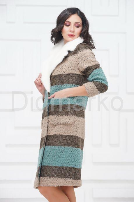 Буклированное пальто с воротником из меха норки. Фото 4.